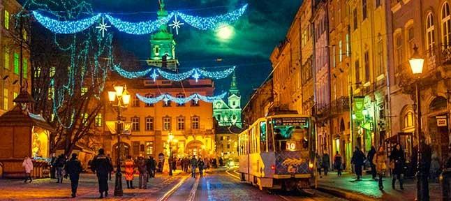 Куда поехать с ребенком на зимние каникулы в Украине? Львов