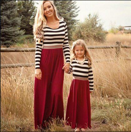 однаковий одяг для мами і дочки