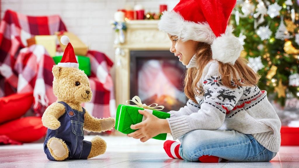 упаковка новорічних подарунків