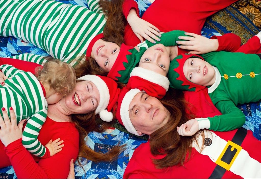 Сімейна новорічна фотосесія що одягнути
