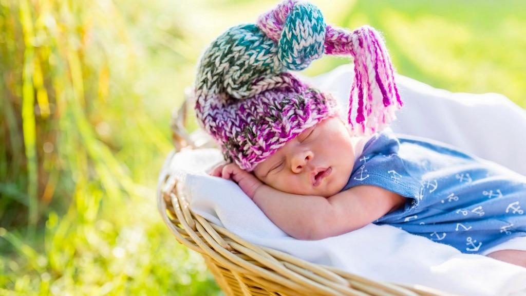 фотосессия новорожденных на природе