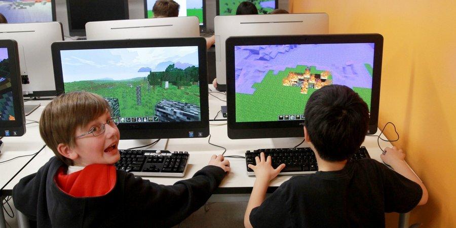 Да, Minecraft действительно цепляет, невозможно оторваться от него ночью, и не хочется уходить днем.