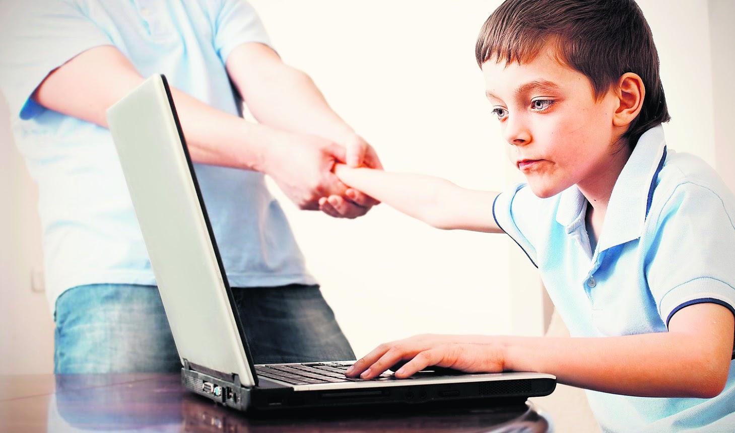 Увага! Симптоми того, що соціальні мережі шкодять дітям