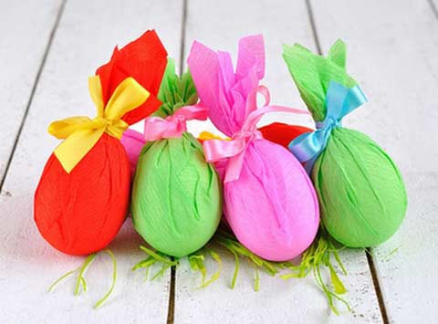 Оздоблення пасхальних яєць. Гофрований папір