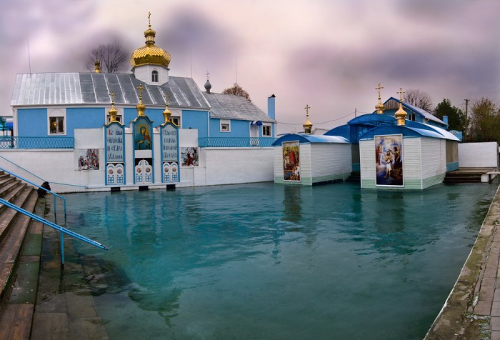 Источник Св.Анны Онишкивци