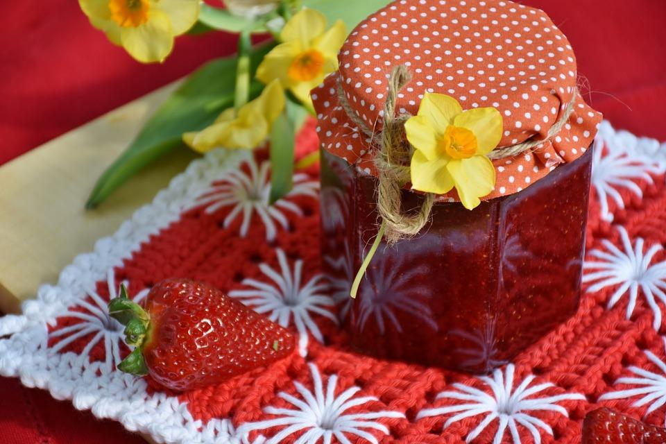 Десерты из клубники для детей Варенье из клубники и абрикосов