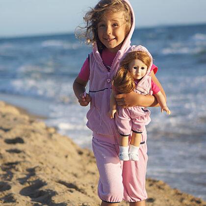 однаковий одяг для дівчинки та ляльки