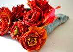 розы с листьев